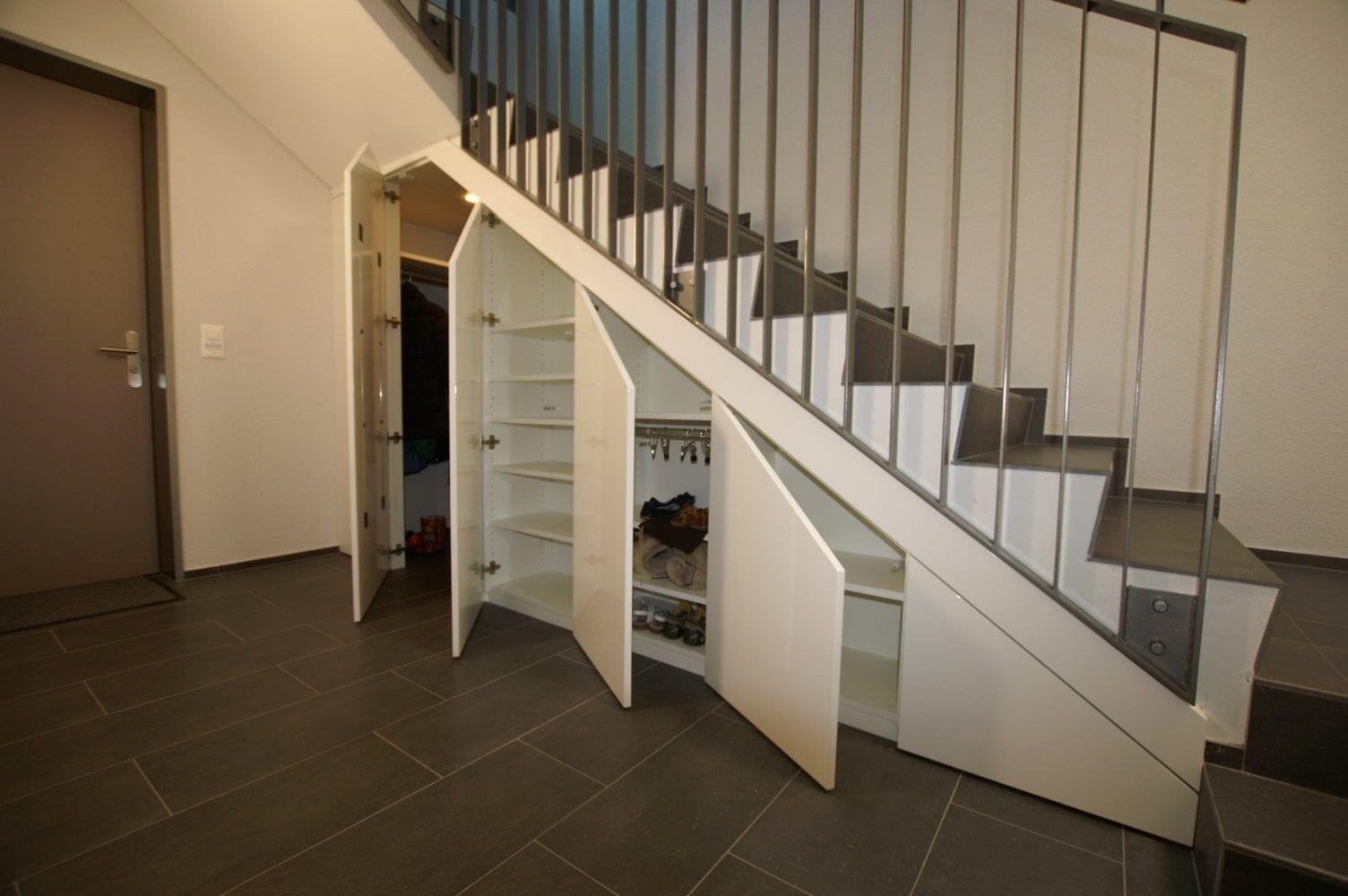 Bucher AG - Treppenschrank